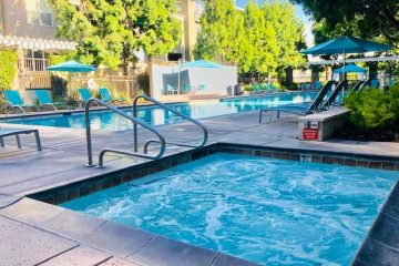 Fruitdale Station Apartments Outdoor Community Jacuzzi Hot Tub