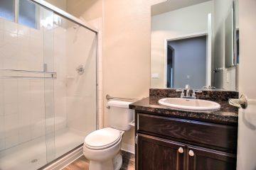 Warburton Village Apartments Bathroom