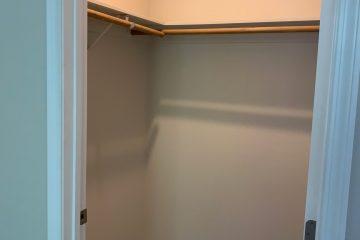 1x1 Bedroom Closet