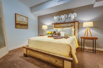 Midtown 360 Apartment Bedroom