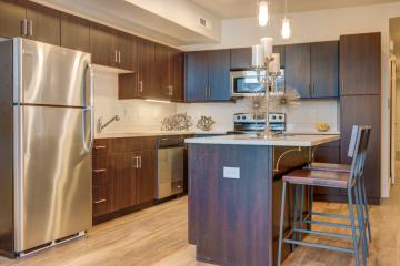 Midtown 360 Apartment Kitchen