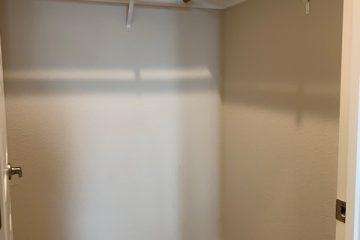 2x2 Walk-In Closet