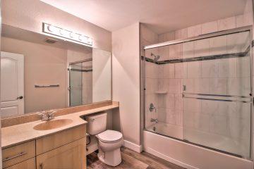 Catalina Luxury Apartment Unit Bathroom
