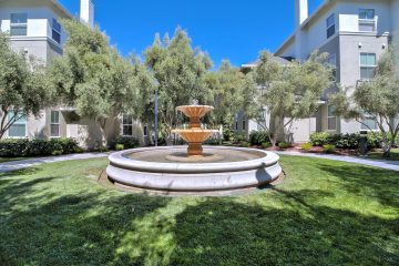 Catalina Luxury Apartments Courtyard Water Feature