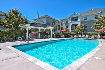 Catalina Apartments Outdoor Swimming Pool