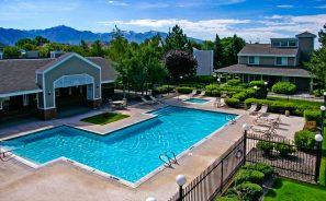 Sun River Apartments Community Swimming Pool