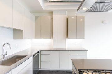 Paragon Station Apartment Kitchen